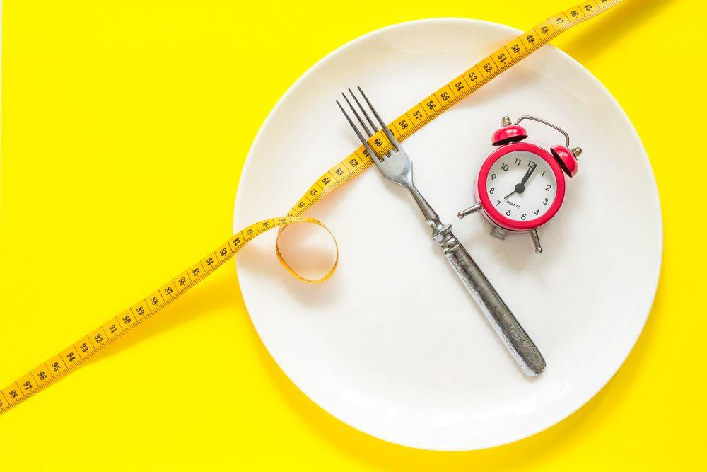 How to Lose Weight with Intermittent Fasting?   Women's ...
